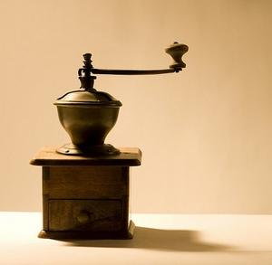 Механическая кофемолка