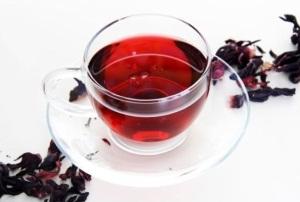 Вред и польза красного чая каркаде