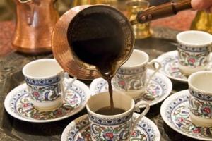 prigotovlenie-kofe-v-turke