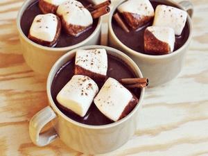 Рецепт домашнего горячего шоколада с зефиром