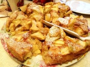Приготовление яблочной шарлотки